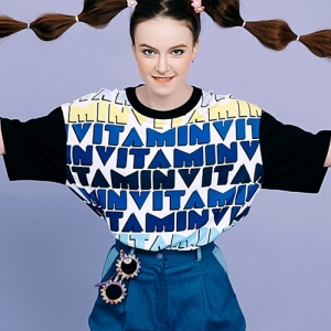 VVV MULTI VITAMIN TSHIRT (BLUE)