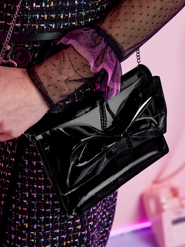 VVV BLACK PVC RIBBON CROSS BAG