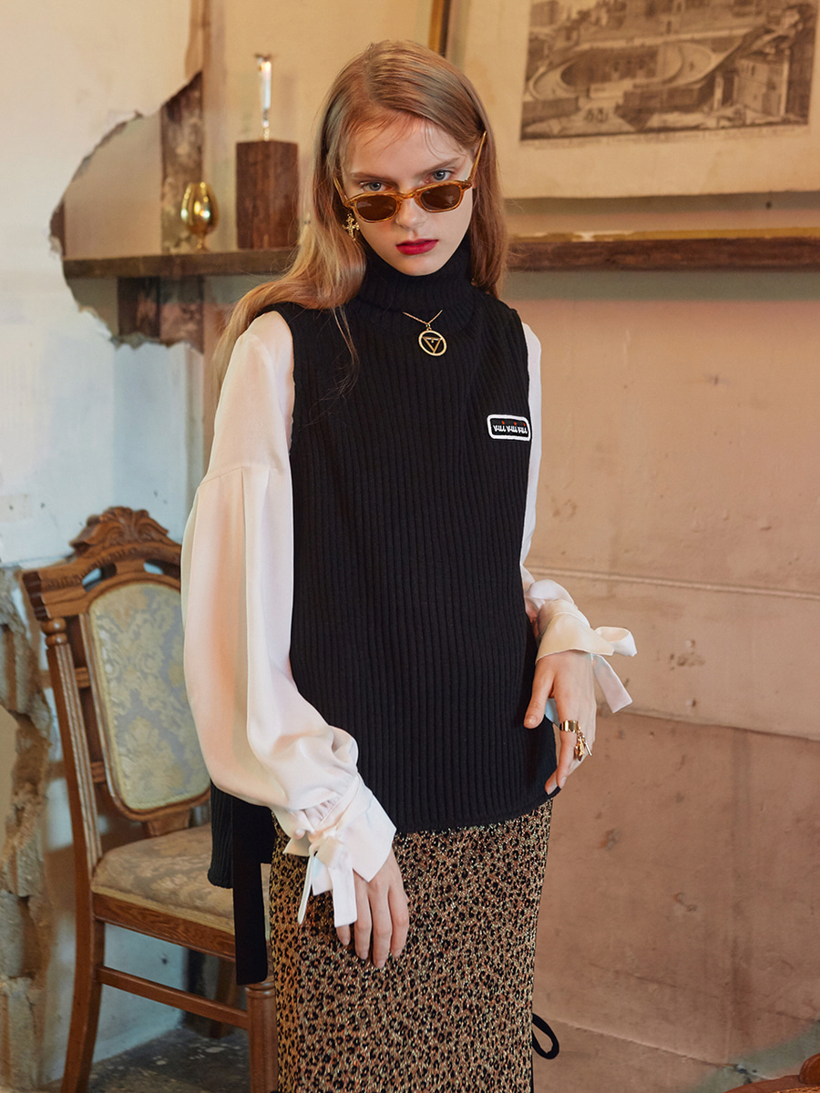 VVV BLACK TURTLE NECK KNIT VEST