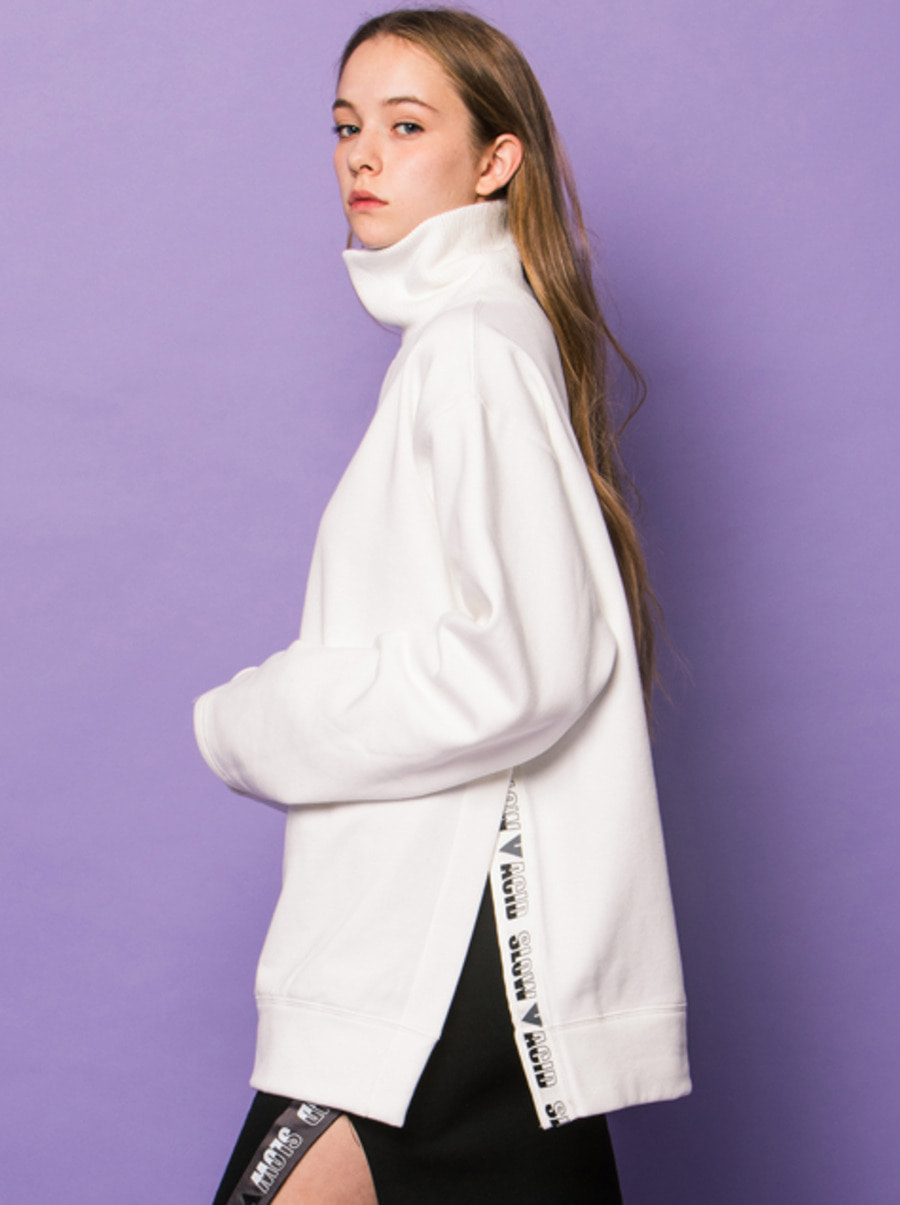 SLOWACID X VVV / WHITE VENT TAPE TURTLENECK SWEATSHIRT