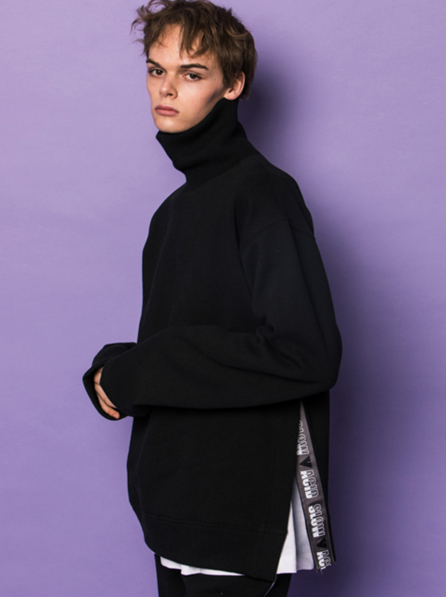 SLOWACID X VVV / BLACK VENT TAPE TURTLENECK SWEATSHIRT