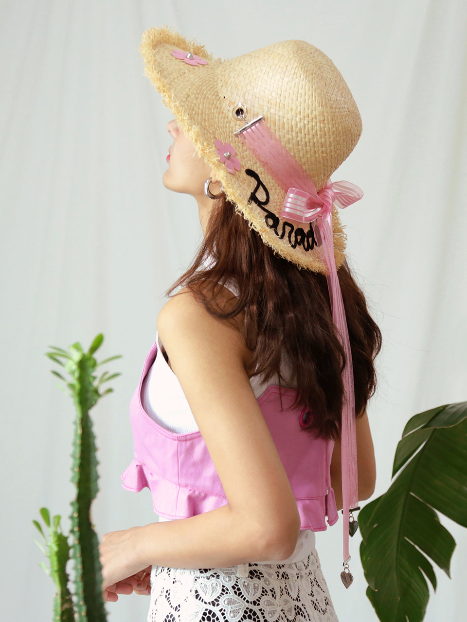 [VVV x WHITESANDS] PARADAISE PINK FLOWER RIBBON RAFFIA HAT